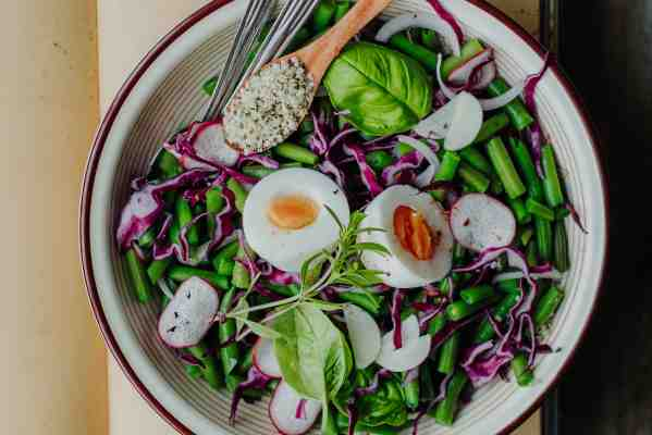 healthy-green-beans-salad-with-egg-and-hemp-seeds-1.jpg